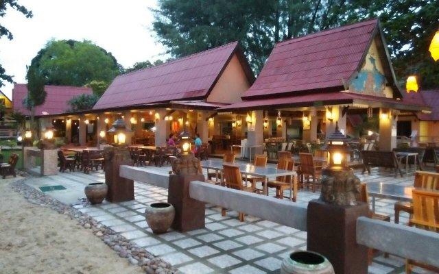Отель Andaman Beach Resort Саладан вид на фасад