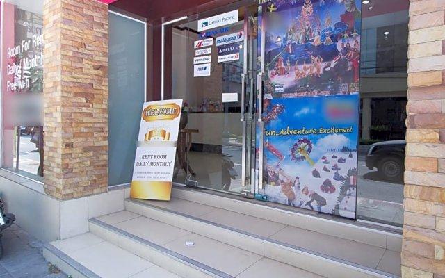 Отель Zen Rooms Surasak 2 Бангкок вид на фасад