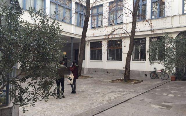 Отель Residencia Universitaria San Lorenzo вид на фасад