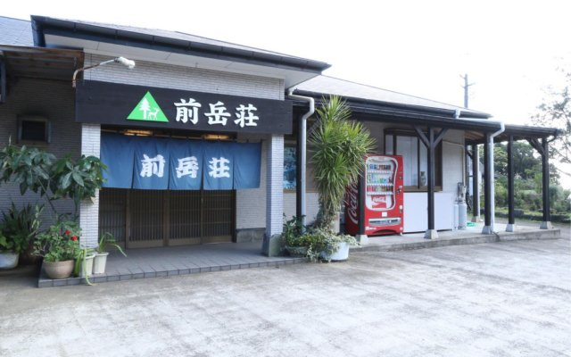 Отель Minshuku Maetakeso Якусима вид на фасад