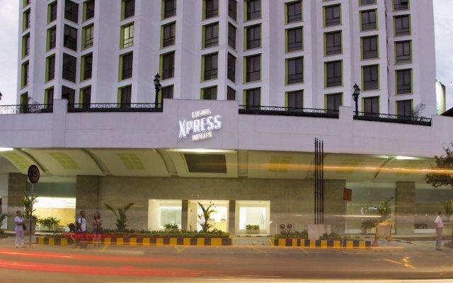 Отель Cosmos Cali вид на фасад
