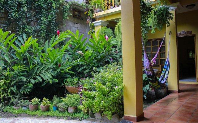 Отель Mary's Hotel Гондурас, Копан-Руинас - отзывы, цены и фото номеров - забронировать отель Mary's Hotel онлайн вид на фасад
