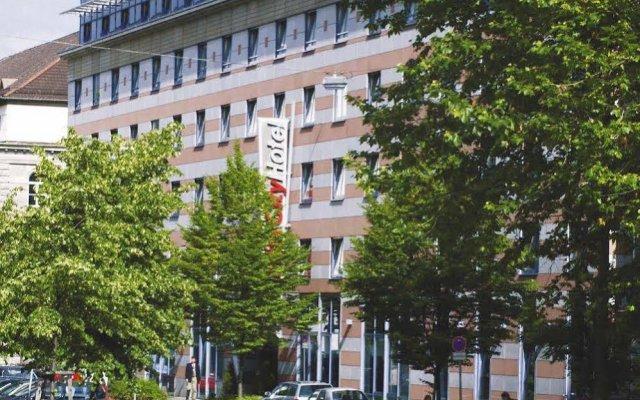 Отель IntercityHotel Nürnberg вид на фасад