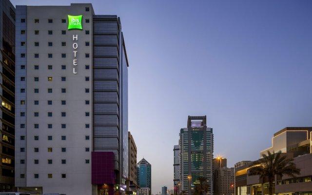 Отель ibis styles Sharjah Hotel ОАЭ, Шарджа - отзывы, цены и фото номеров - забронировать отель ibis styles Sharjah Hotel онлайн вид на фасад