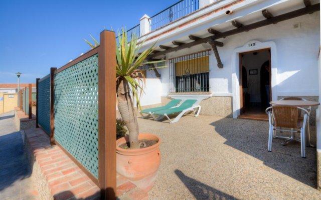 Отель Apartamentos El Roqueo Испания, Кониль-де-ла-Фронтера - отзывы, цены и фото номеров - забронировать отель Apartamentos El Roqueo онлайн