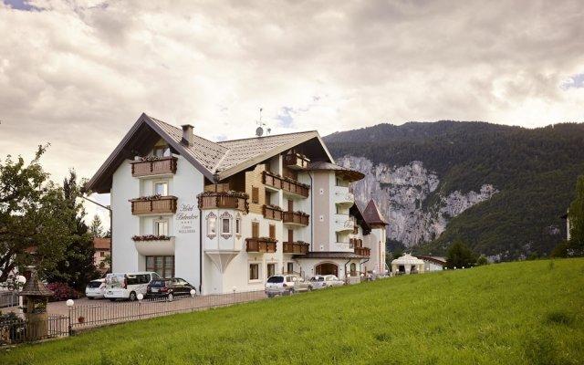 Hotel Belvedere & Paradise Club Center Фай-делла-Паганелла вид на фасад
