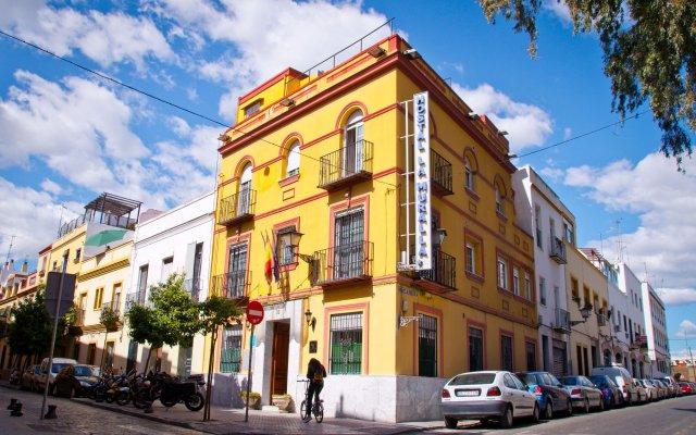 Отель Hostal La Muralla вид на фасад