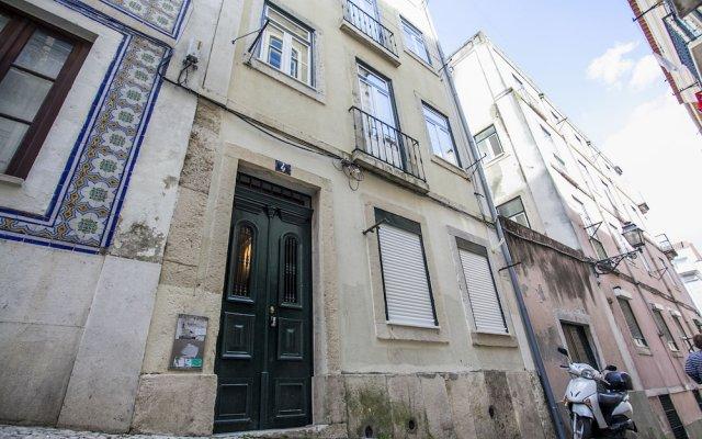 Апартаменты LxWay Apartments Travessa do Oleiro вид на фасад