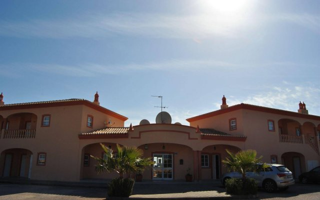 Отель Atalaia Sol вид на фасад