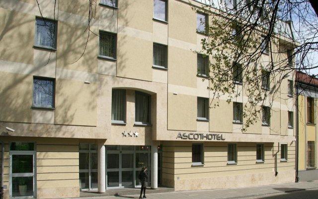 Hotel Ascot вид на фасад