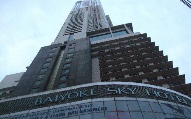 Baiyoke Sky Hotel вид на фасад