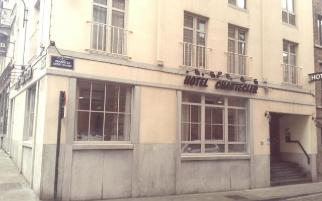 Hotel Chantecler Брюссель вид на фасад