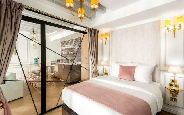 Отель Luxury 4 Bedroom 3 Bathroom Louvre - AC Париж комната для гостей