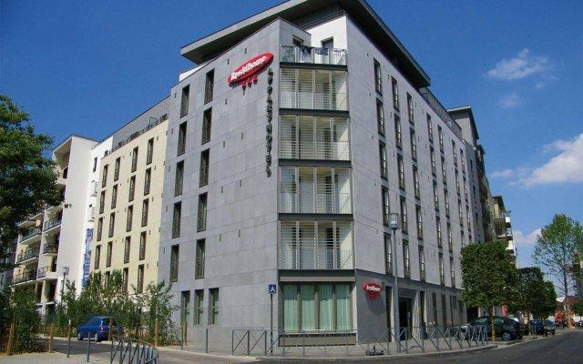 Отель Residhome Asnières вид на фасад