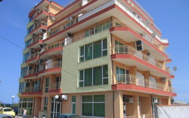 Отель Guest House California Болгария, Поморие - отзывы, цены и фото номеров - забронировать отель Guest House California онлайн вид на фасад