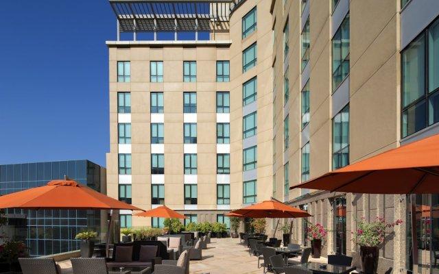 Radisson Blu Hotel, Dubai Media City вид на фасад