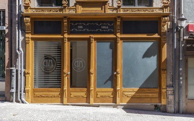 Отель Oporto Local Studios вид на фасад