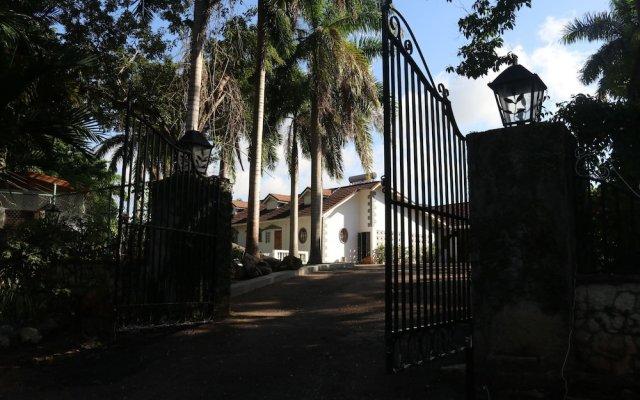 Отель 10 BR Guesthouse - Montego Bay - PRJ 1434 вид на фасад