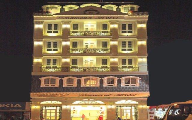 Отель Diamond Далат вид на фасад
