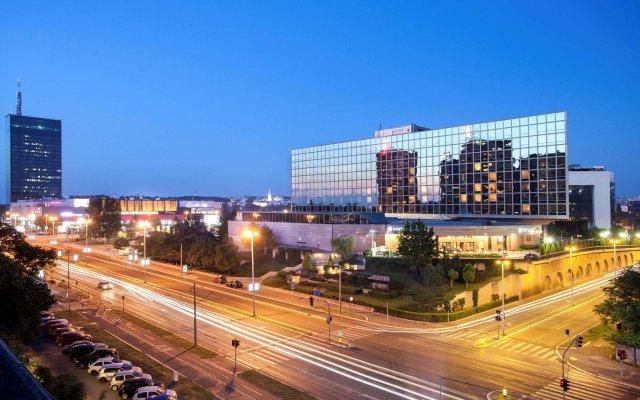 Отель Hyatt Regency Belgrade вид на фасад