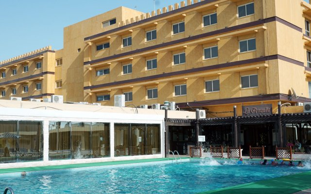 Отель Ras Al Khaimah Hotel ОАЭ, Рас-эль-Хайма - 2 отзыва об отеле, цены и фото номеров - забронировать отель Ras Al Khaimah Hotel онлайн вид на фасад
