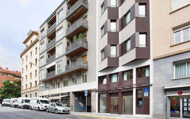 Ginosi Pedralbes Hotel Барселона вид на фасад