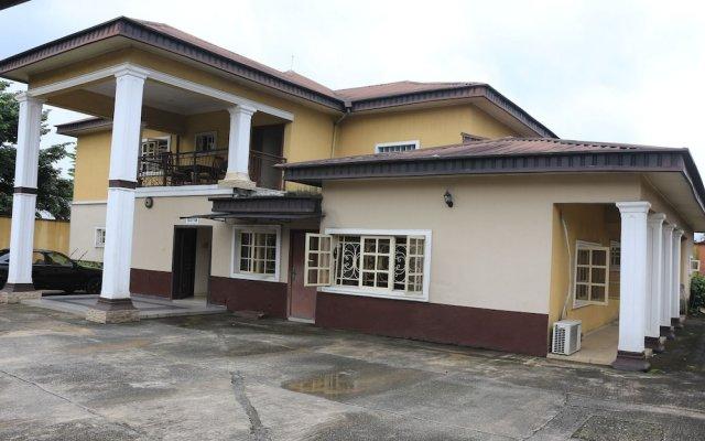 Liz Ani Hotel Annex Калабар вид на фасад
