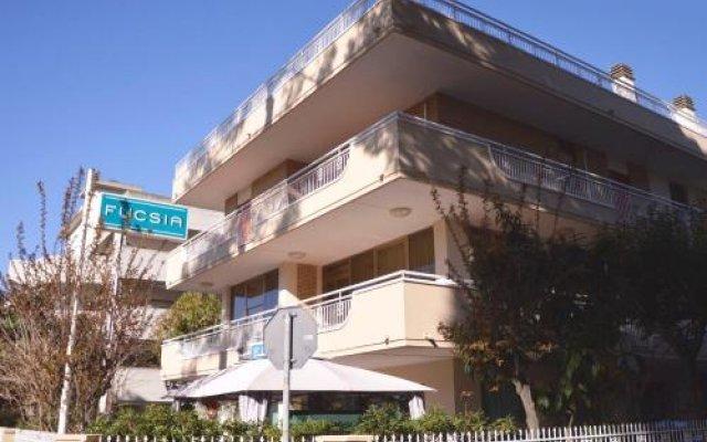 Hotel Fucsia вид на фасад