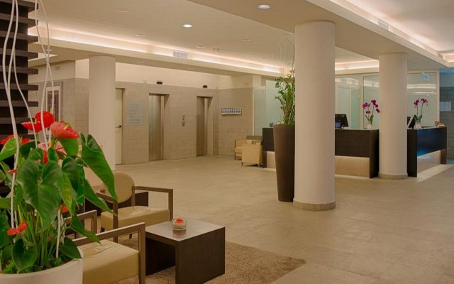 Отель NH Linate Пескьера-Борромео интерьер отеля