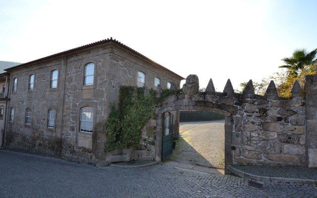 Отель Quinta Do Terreiro Ламего вид на фасад