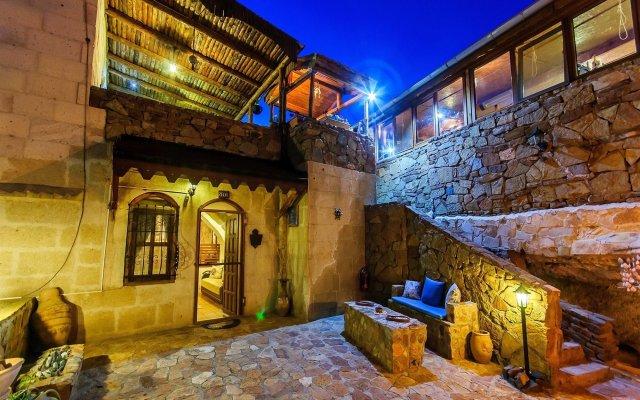 Отель Adanos Konuk Evi Аванос вид на фасад