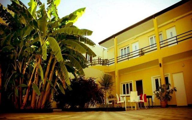 Отель You! Hoteles Сан-Рафаэль вид на фасад