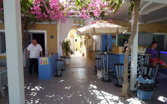 Отель Nostos Hotel Греция, Остров Санторини - отзывы, цены и фото номеров - забронировать отель Nostos Hotel онлайн вид на фасад