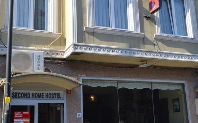 Second Home Hostel Стамбул вид на фасад