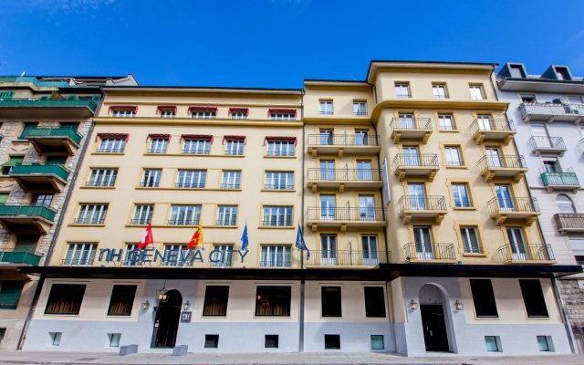 Отель NH Rex вид на фасад