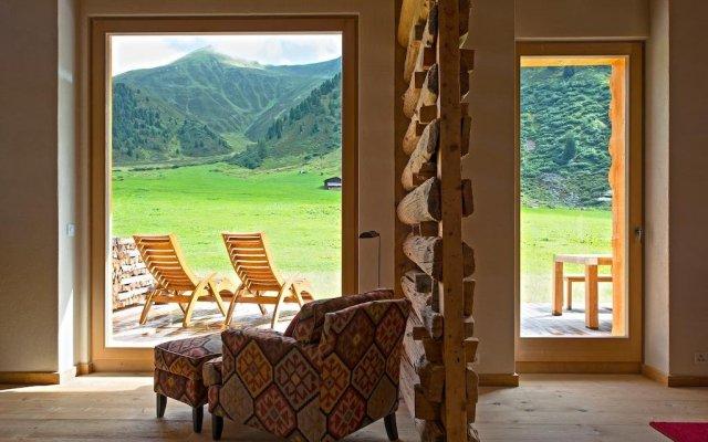 Отель Chalet Berghof Sertig комната для гостей