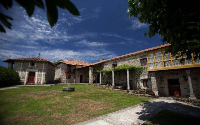Отель Rectoral De Castillon вид на фасад