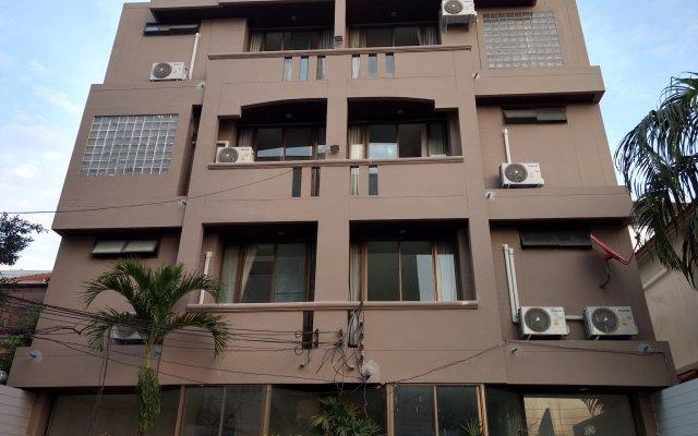 Отель Rama 9 Kamin Bird Hostel Таиланд, Бангкок - отзывы, цены и фото номеров - забронировать отель Rama 9 Kamin Bird Hostel онлайн вид на фасад