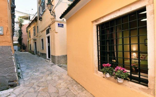 Отель Charming Venetian Town House in the Old Town of Corfu вид на фасад