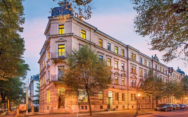 Отель Novum Hotel Bonhoefferplatz Dresden Германия, Дрезден - 2 отзыва об отеле, цены и фото номеров - забронировать отель Novum Hotel Bonhoefferplatz Dresden онлайн вид на фасад