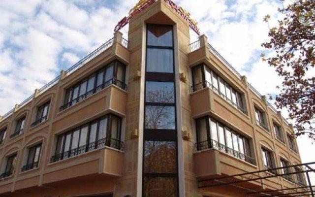 Hotel Brilliantin Сливен вид на фасад