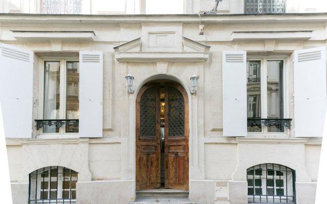 Отель Hôtel Hector Париж вид на фасад
