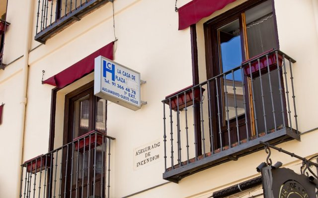 Отель Hostal La Casa de La Plaza вид на фасад