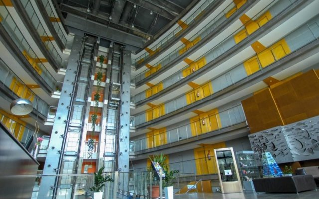 Отель Eurohotel Barcelona Gran Via Fira вид на фасад