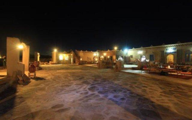 Отель Auberge Sahara Garden Марокко, Мерзуга - отзывы, цены и фото номеров - забронировать отель Auberge Sahara Garden онлайн вид на фасад