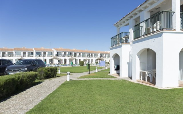 Отель Rv Hotels Sea Club Menorca Испания, Кала-эн-Бланес - отзывы, цены и фото номеров - забронировать отель Rv Hotels Sea Club Menorca онлайн вид на фасад