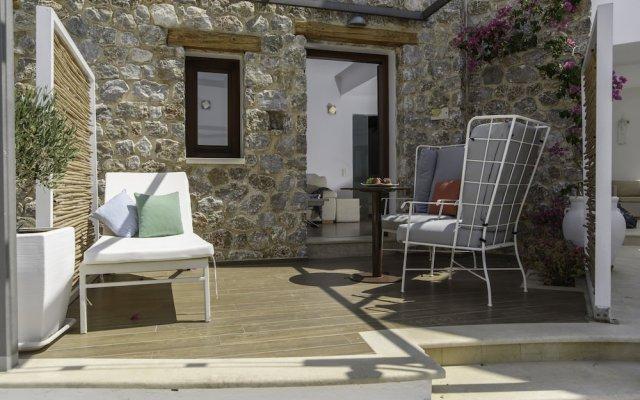 Отель La Mer Deluxe Hotel & Spa - Adults only Греция, Остров Санторини - отзывы, цены и фото номеров - забронировать отель La Mer Deluxe Hotel & Spa - Adults only онлайн вид на фасад