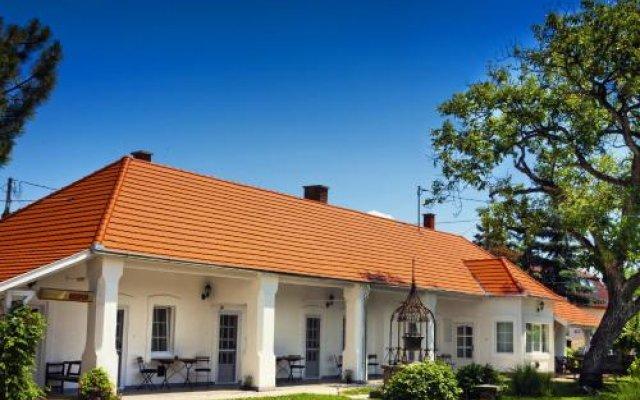 Отель Öreg Malom Apartmanház Венгрия, Силвашварад - отзывы, цены и фото номеров - забронировать отель Öreg Malom Apartmanház онлайн вид на фасад