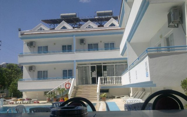 Huner Apartments Турция, Мармарис - 1 отзыв об отеле, цены и фото номеров - забронировать отель Huner Apartments онлайн парковка