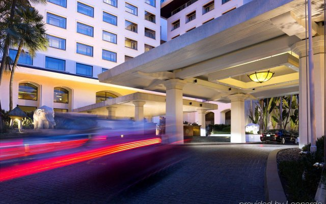 Отель Anantara Siam Bangkok вид на фасад